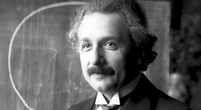 Rozmowa ucznia z Profesorem a odkrycie Einsteina